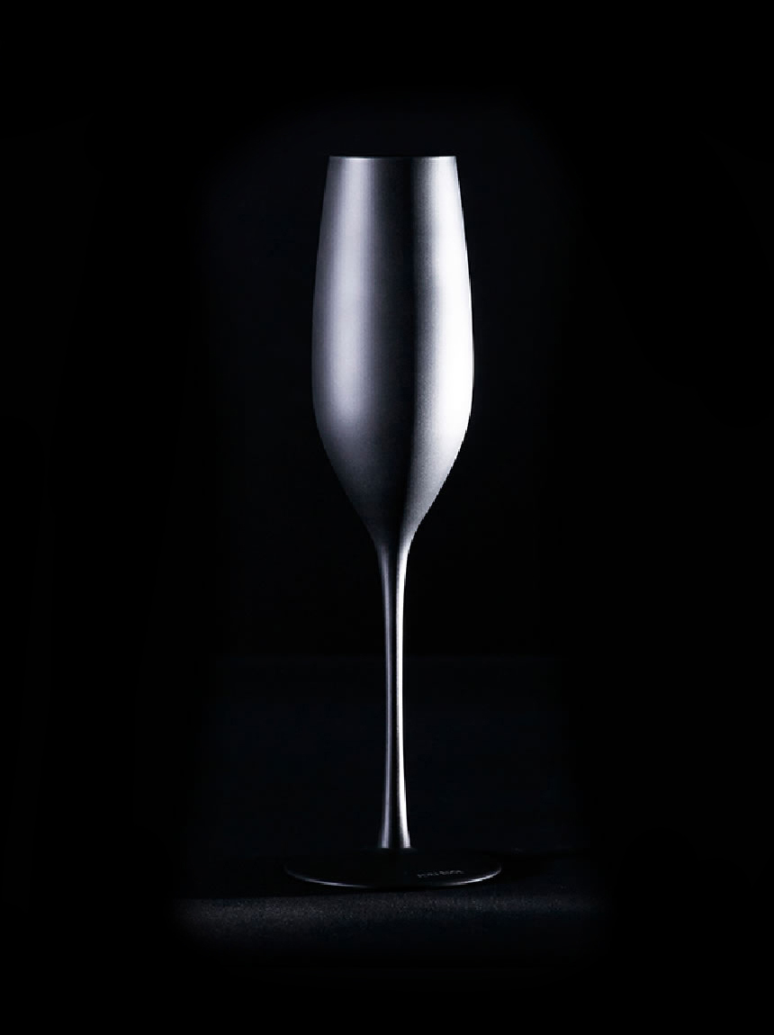 CHAMPAGNE GLASS MATTE BLACK